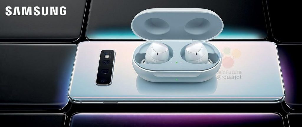 Galaxy Buds charging on a Galaxy S10